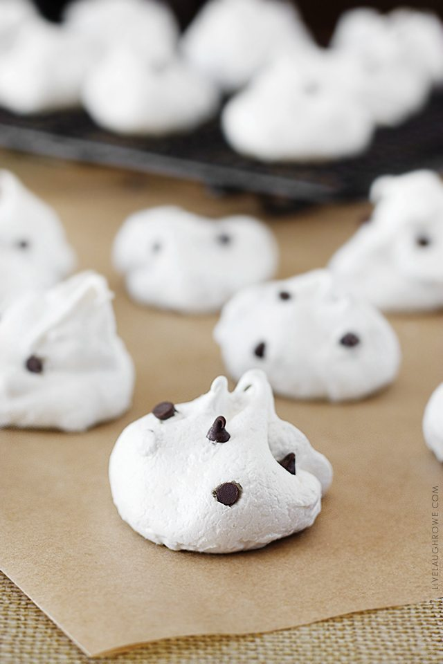 If you have a sweet tooth, then these Chocolate Chip Meringue Cookies are for you! Weight Watchers friendly too. Recipe at www.livelaughrowe.com