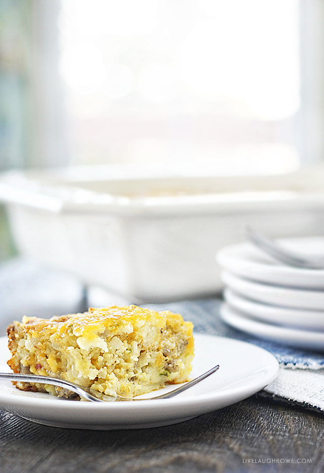 Impossibly Easy Breakfast Bake that is packed with flavor! Recipe at livelaughrowe.com