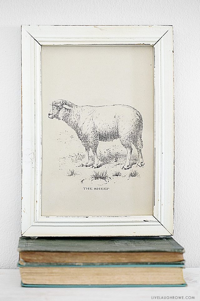 Love this sweet farmhouse inspired printable, a simple rustic sheep print. livelaughrowe.com