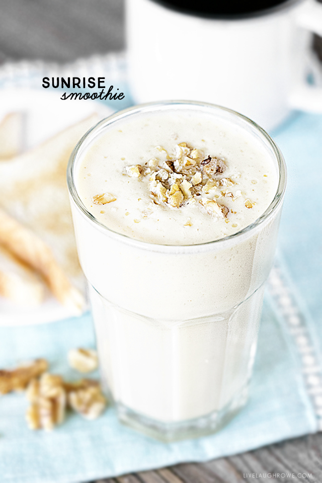 This delicious Sunrise Smoothie is high in vitamin C and calcium -- all packed into a low-calorie breakfast smoothie! Recipe at livelaughrowe.com