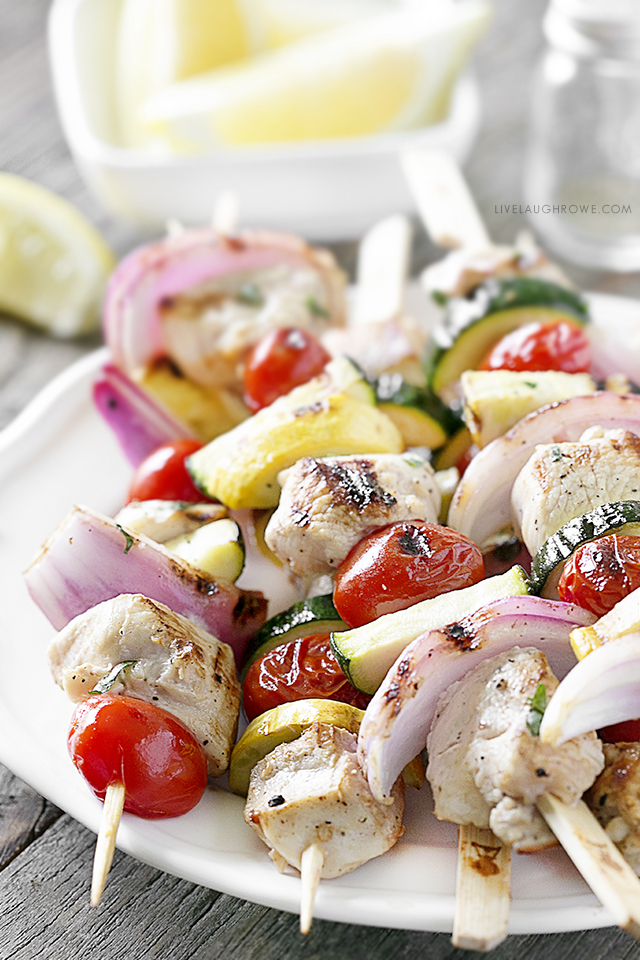 Enjoy these delicious Lemon-Basil Chicken Kebabs with Vegetables! Coming in at only 1 point per kebab on WW -- you'll certainly be enjoying a few. Recipe at livelaughrowe.com