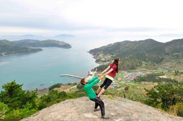 Thigh Stand in Saryangdo