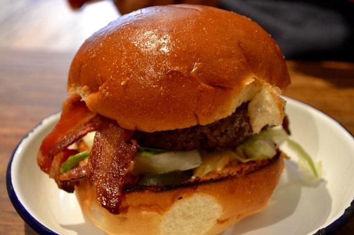 6oz Burgers, burgers, beefburgers, southsea burgers, Southsea, Portsmouth burgers, Portsmouth, food blogger, foodie, livelifelovecake 6oz Burgers,