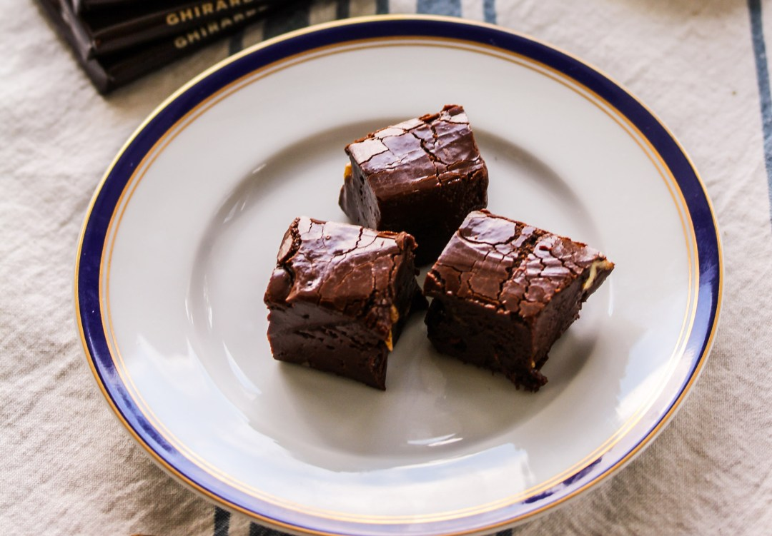 Dark chocolate fudge with coconut sugar