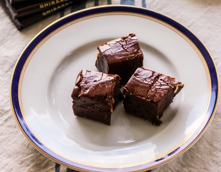 Dark chocolate fudge with coconut sugar
