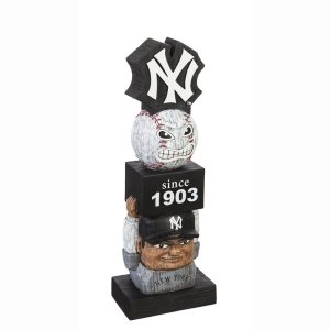 New York Yankees Vintage Garden Statue
