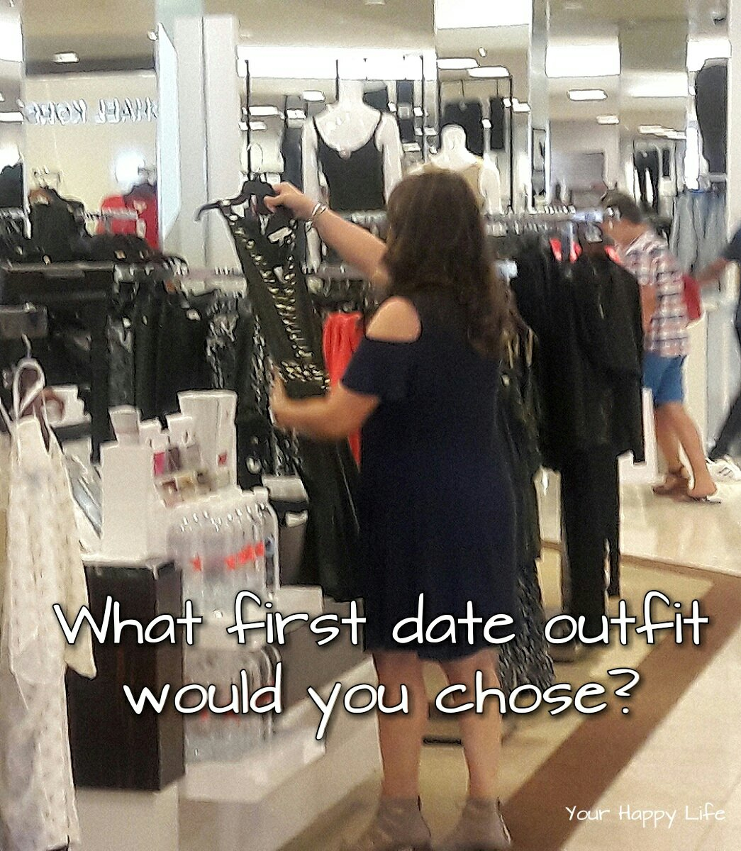 Quiz: First Date Outfit for Women