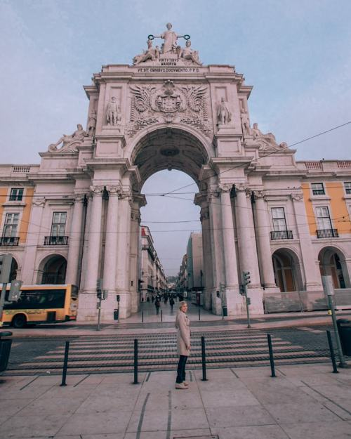 Arco da Rua Augusta in Lisbon. Click here for the Instagrammable places Lisbon has plus a free map!