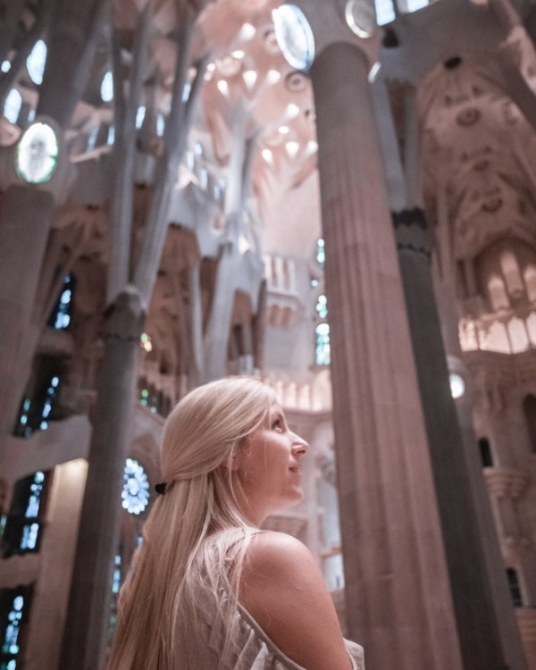 Go to Sagrada Familia when the sun is lower in the sky for the best photos. Get a full guide to a weekend in Barcelona and all the best photo spots here!