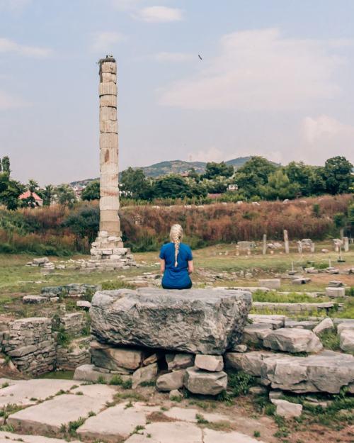 圣亚亚亚亚萨的圣神,世界上的一座世界是一座巨大的天堂。