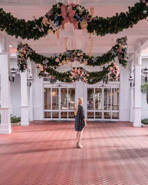 The entrance to the Grand Floridian at Christmas. Get a list of the top 40 things to do in Orlando at Christmas (+ a few bonus items and a map)