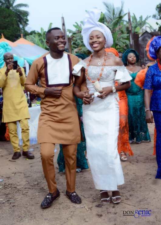 Lively stones International congratulates Faith Ogechi on her Traditional Wedding.