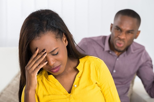 9 Signs of Emotional Abuse, According to a Relationship Expert