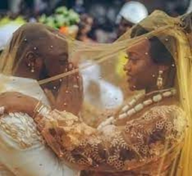 """""""Chioma's Bride Price Has Been Refunded"""" – Kemi Olunloyo Spills Alleged Details On Davido And Chioma's Relationship"""