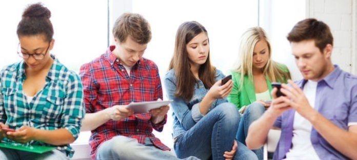 20 TIPS TO AVOID SOCIAL MEDIA ADDICTION AS A TEENAGER