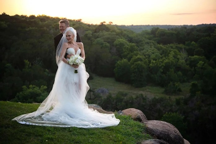 Gwen Stefani and Blake Shelton's Wedding Photos: Jeans for Him, Sky-High Cowboy Boots for Her!