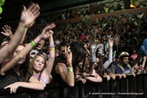 crowd from skrillex halloween 2011-3