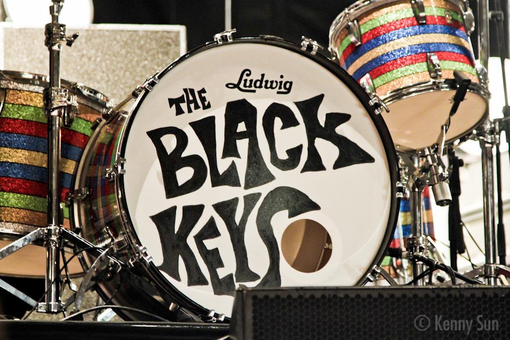 53-BlackKeys