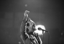 PHOTOS / RECAP: Pearl Jam @ XL Center, Hartford, CT 10/25/13