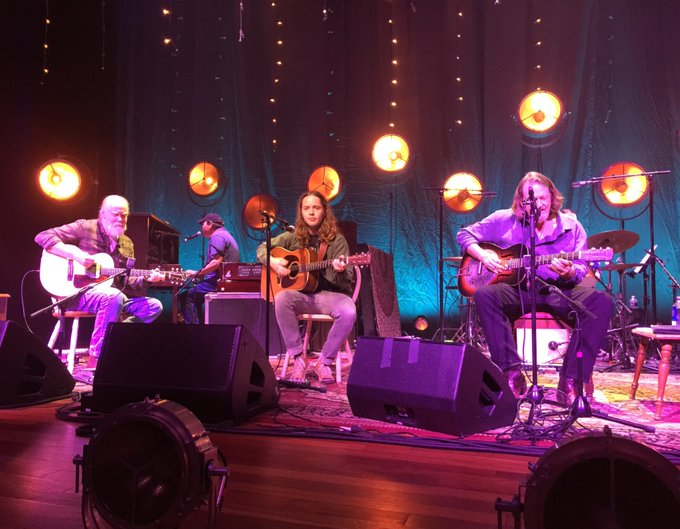 billy strings sat in with widespread panic towergroveking