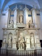 450px-Rome-Basilique_San_Pietro_in_Vincoli-Moise_MichelAnge