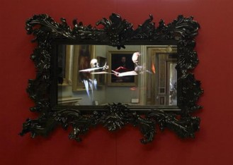 Black Mirror di Mat Collishaw Galleria Borghese