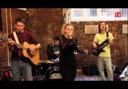 LLTV: International Inn Sessions – Jessie Main