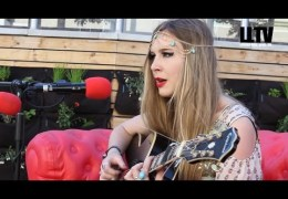 Red Sofa Sessions #onTour – Anna Houghton at X&Y 2014
