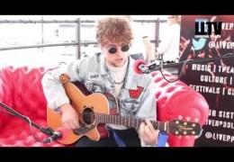 Red Sofa Sessions #onTour – Viola Beach at Astral Coast 2014