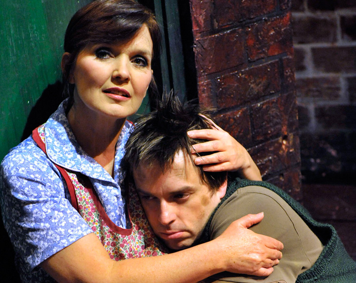 REVIEW: Blood Brothers, Liverpool Empire, 29 Oct 2013