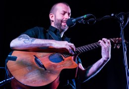 REVIEW: Jon Gomm, Leaf Bold St, 12 Sep