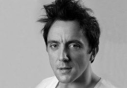 REVIEW: Peter Serafinowicz @ St George's Hall 01/04/11