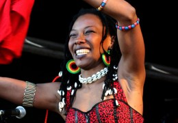 PHOTO GALLERY – More images from Africa Oye 2011