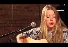 The Red Sofa Sessions #61: Niamh Jones