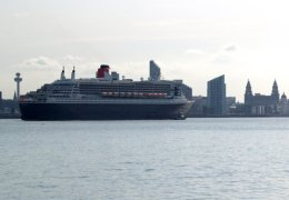 Super Liner Queen Mary 2 Sails into Mersey