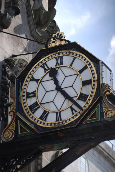 'The Big House' Clock