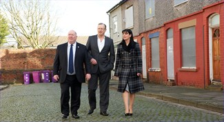 Mayor Joe Anderson looks at empty homes with Cllr Ann O'Byrne
