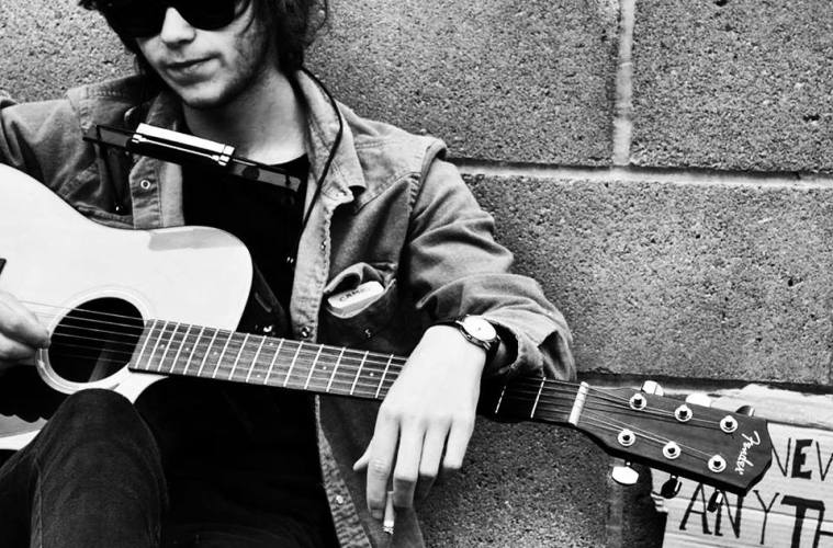 Mike Blue Lays His Innermost Thoughts Bare In a Series of Acoustic Tracks