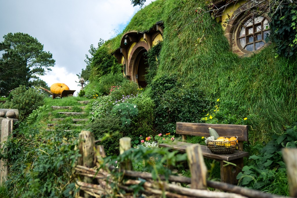 Visiting Hobbiton nz
