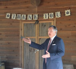 Bill Garner, president of The George Washington Foundation, thanks all of our volunteers and updates them on the progress of the Washington house interpretive replica.