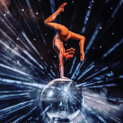 MIRROR BALL CONTORTION