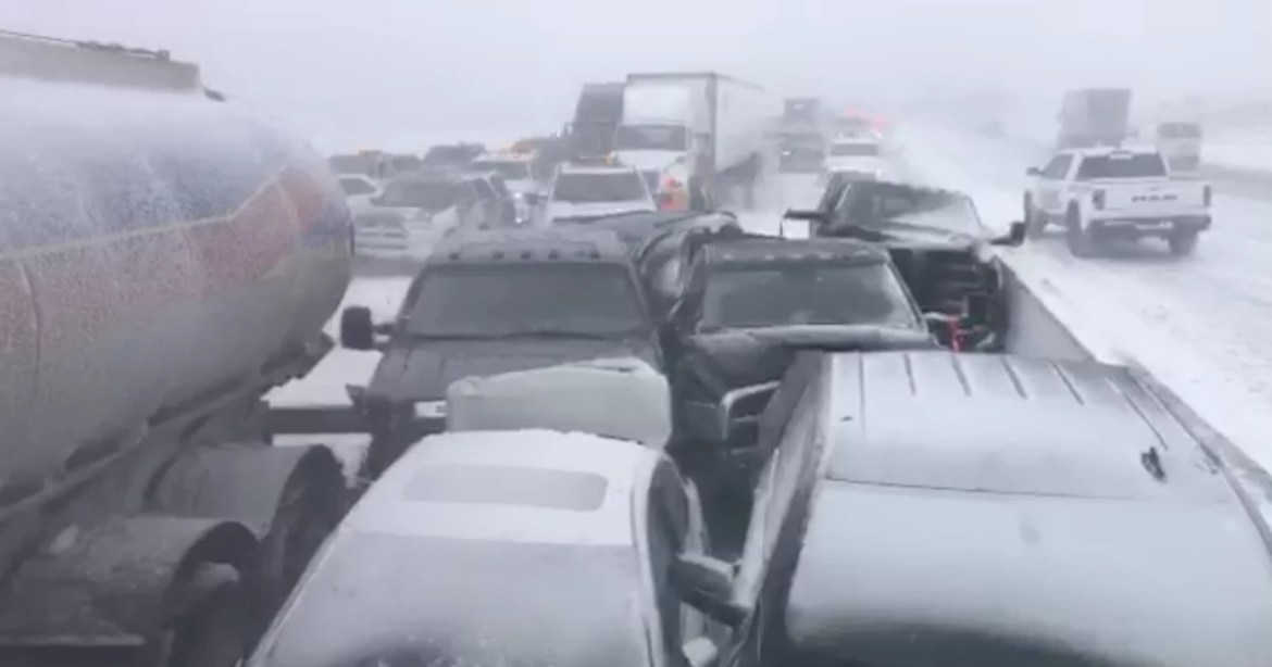 Multi-vehicle pileup on Highway 400