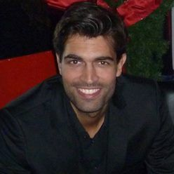 Alex Khan Livestream Universe Stars