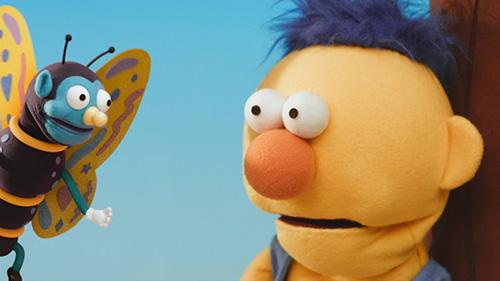 I denna animation förekommer bland annat denna gula docka och den konstiga fjärilen.