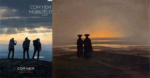 I vänstra bilden syns Com Hems reklambild med tre gestalter som blickar ut över ett överdådigt landskap. Himlen är dramatisk med vackra skiftningar mellan ljus och moln. I den högra bilden ser vi två bortvända gestalter blicka ut över ett storslaget landskap.