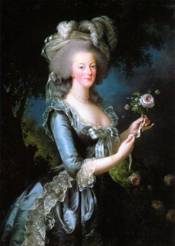 En oljemålning som föreställer Marie Antoinette i en blå klänning, hållande en ros i handen. Målningen är exempel på akademiskt måleri.