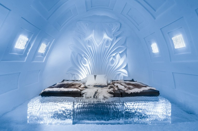 art-suite-acanthus-icehotel-20172-1200x797