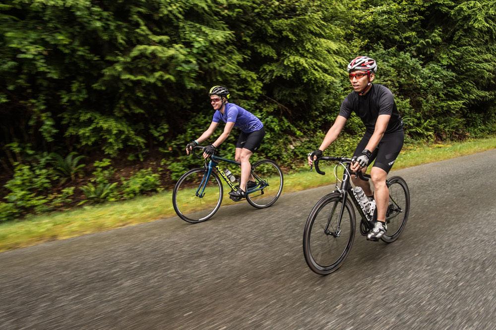 vélo hybride pas cher route