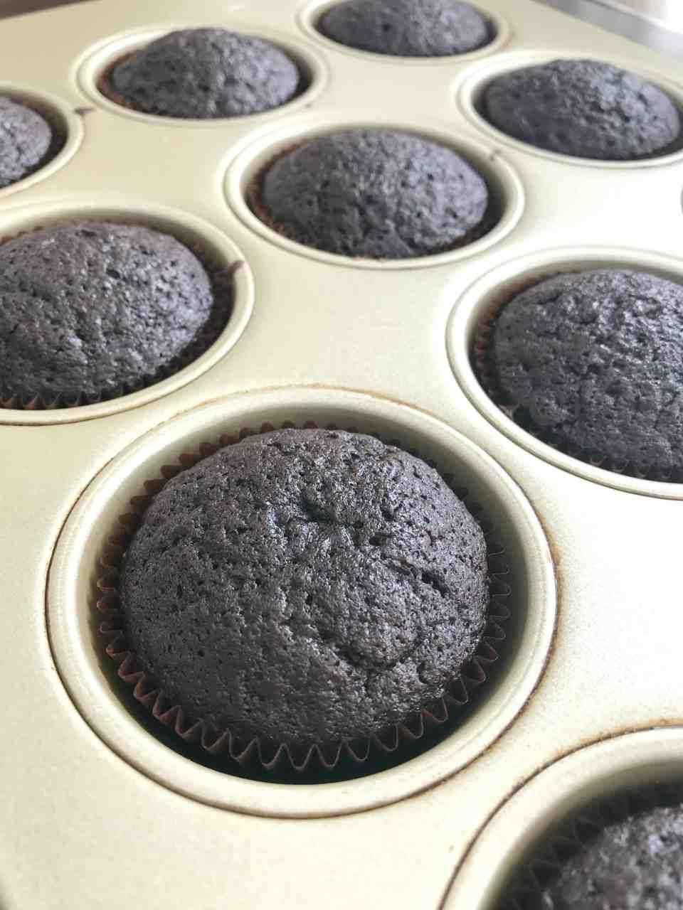 Chocolate Cupcakes with Vanilla Buttercream