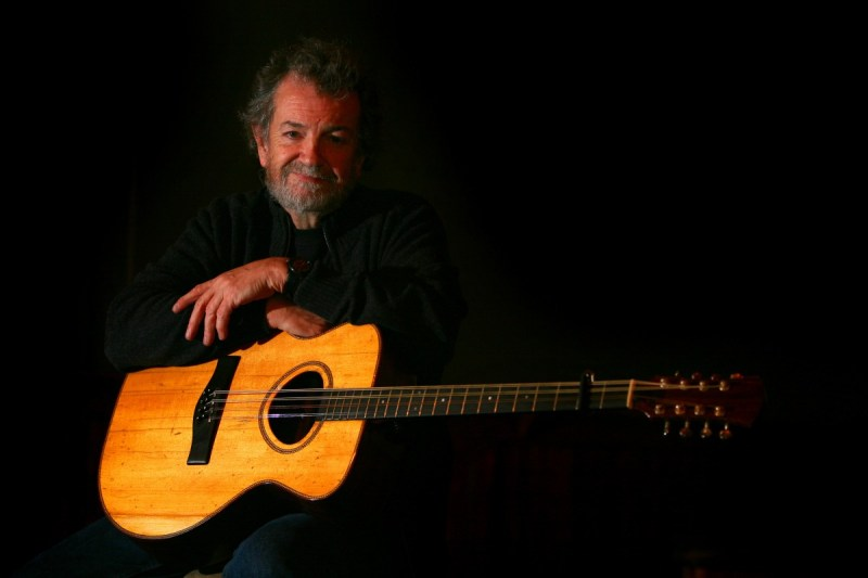 Live to your Living Room Andy-3-Brian-Hartigan 5 Minutes with... Andy Irvine